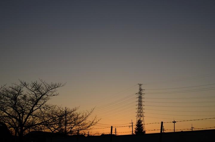 送電鉄塔と夕焼け