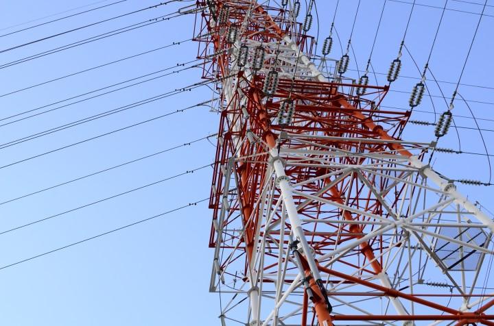 めっちゃ近所の鉄塔を撮る